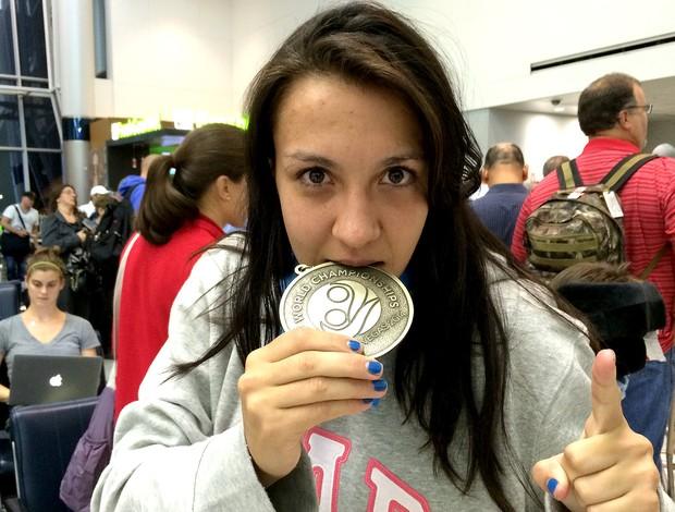 Amanda Ribas MMA medalha (Foto: Ivan Raupp)