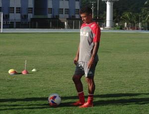 Thiago Potiguar, meia do América-RN (Foto: Carlos Cruz/GloboEsporte.com)