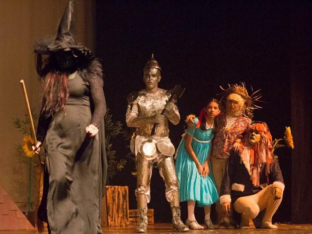 Espetáculo musical 'As Bruxas de Oz', neste final de semana em Cuiabá. (Foto: Frank Busatto/Assessoria)