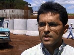 Juscelino Antônio Dourado durante entrevista (Foto: Reprodução EPTV)