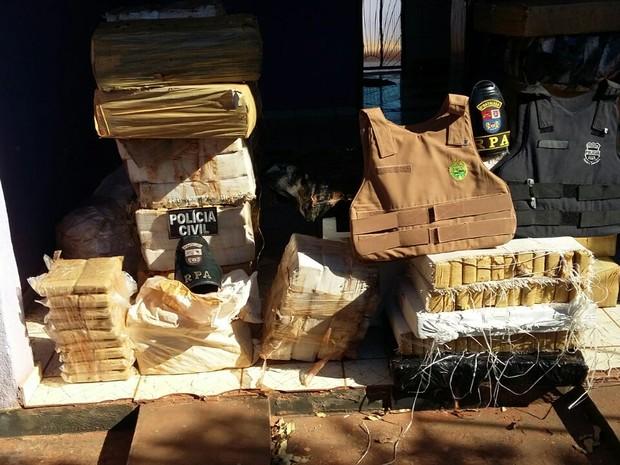 Droga estava dividida em duas casas, uma em Loanda e outra em Amaporã (Foto: Divulgação/PM)