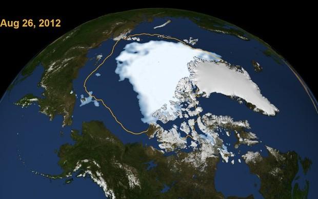 A área delimitada em amarelo representa a menor área da calota polar ártica até 2012. (Foto: Reprodução/)