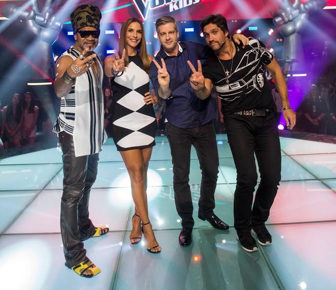 Adeus, terninho! Ivete escolheu um vestidinho preto e branco para a nova fase do reality (Foto:  Estevam Avellar/Rede Globo)
