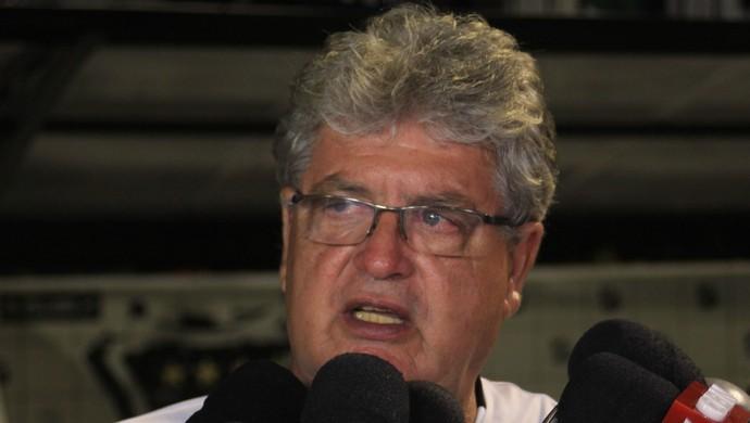 Geninho técnico do ABC (Foto: Fabiano de Oliveira/GloboEsporte.com)