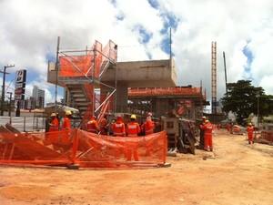 Lote 2 está 65% concluído, segundo secretário de Obras, Tomaz Neto (Foto: Fernanda Zauli/G1)