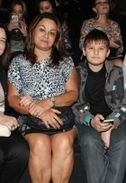 Pais de Di Ferrero vão com mãe e filho de Isabelli Fontana assistir a top