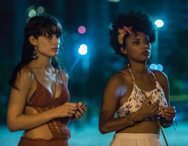 """Em """"Justiça"""", Jéssica vive Rose e Luisa Arraes é Débora (Foto: Divulgação/TVGlobo)"""
