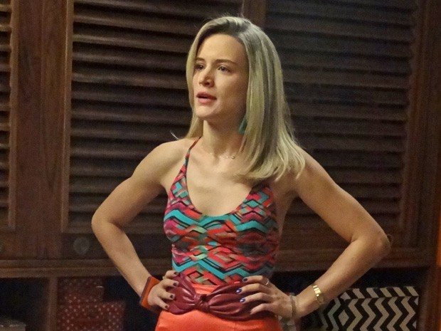 Vitória afronta Beatriz (Foto: Boogie Oogie/TV Globo)