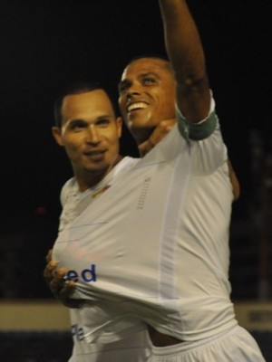 Confiança, comemora, Batistão (Foto: Daniel Soares / ADC)
