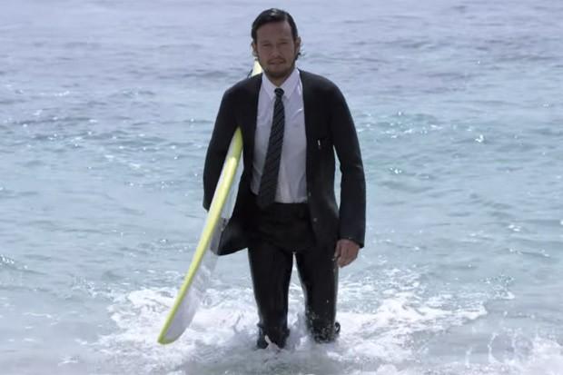Quiksilver cria costume ideal para o surfe (Foto: Reprodução/Youtube)