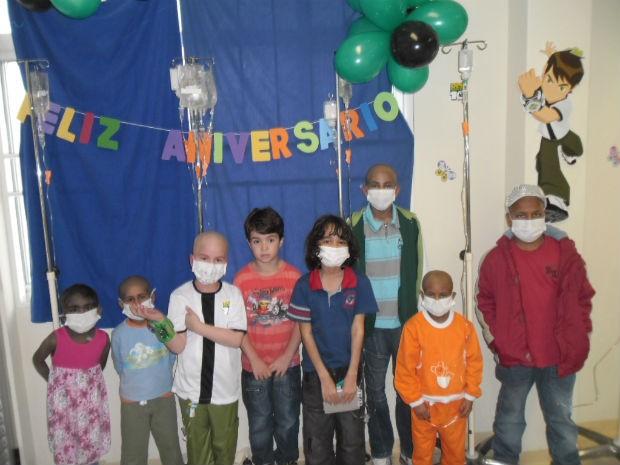 Garoto ainda está em tratamento pós-transplante (Foto: Ana Paula Stevam/Arquivo Pessoal)