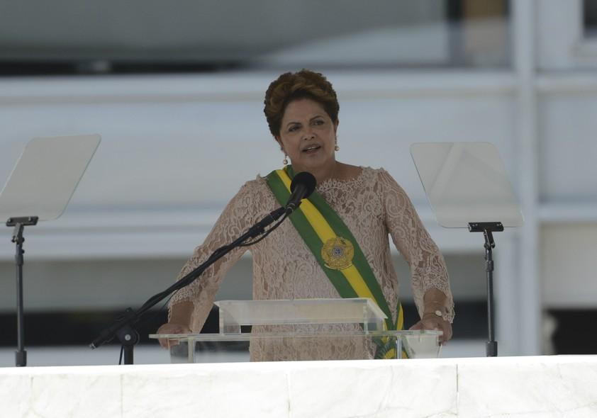 No parlatório, Dilma Rousseff falou à multidão presente em Brasília. A presidente lançou o lema