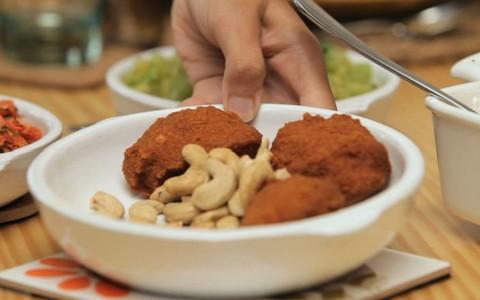 Aprenda a fazer um acarajé tradicional no liquidificador