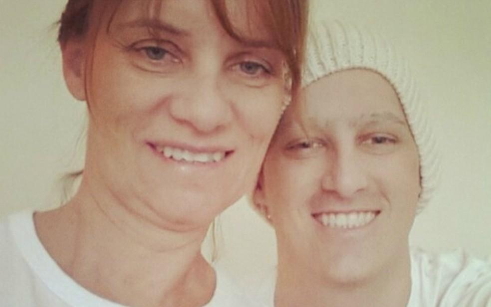 Mãe doou medula ao filho que não sobreviveu à leucemia (Foto: Arquivo Pessoal/ Angélica Campolim)