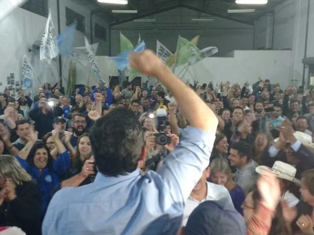 Marcus Melo comemora eleição como prefeito de Mogi (Foto: Cristina Requena/G1)