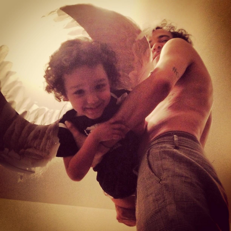 Valentim e Paulinho brincando (Foto: Arquivo pessoal)