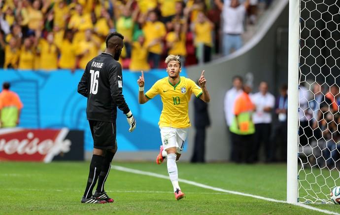 Neymar gol Brasil x Camarões (Foto: Jefferson Bernardes / VIPCOMM)