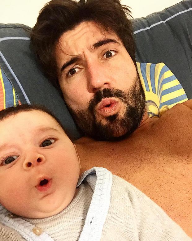 Sandro Pedroso posa com o filho, Noah (Foto: Reprodução/Instagram)