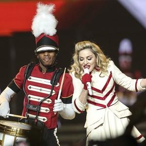 Madonna em show realizado no Staples Center, em Los Angeles, operado pela AEG (Foto: Getty Images)