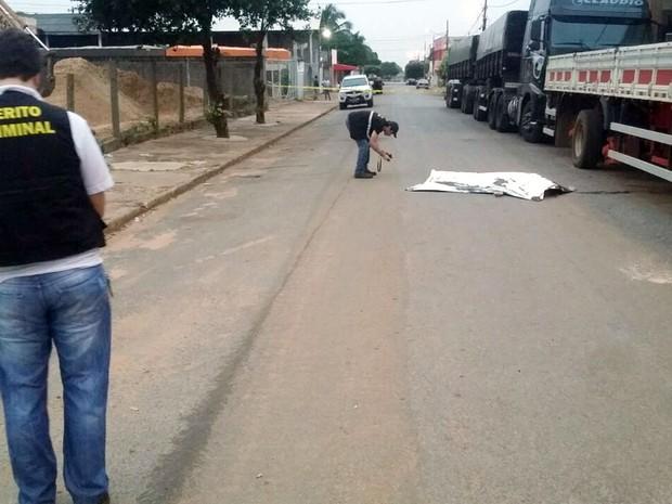 Travesti é morta durante assalto em ponto de prostituição em Primavera do Leste (Foto: João Paulo Rezende/ Clique F5)