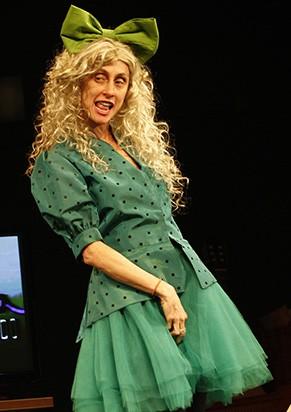 Betty Gofman como Zezé Macedo (Foto: Divulgação)