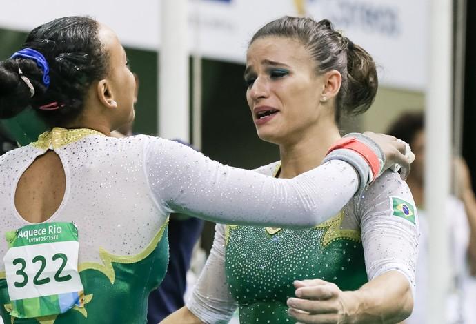 Jade Barbosa após a apresentação da equipe no evento-teste (Foto: Ricardo Bufolin/CBG)