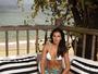 Mariana Rios aparece de biquíni com a barriga sequinha à mostra em foto