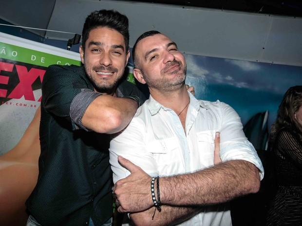 Ex-BBBs Diego e Vagner em festa em São Paulo (Foto: Leo Franco/ Ag. News)
