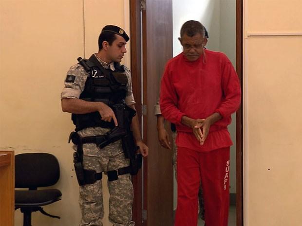 Homem é julgado por matar e enterrar mulher em Varginha. (Foto: Reprodução EPTV)