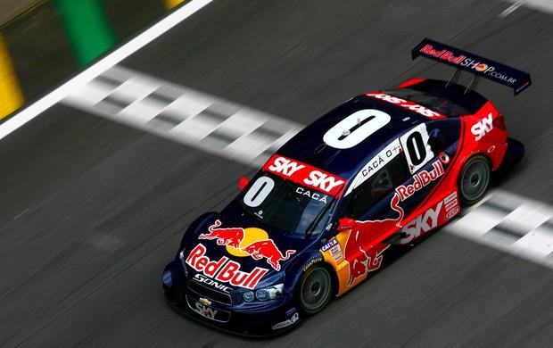 Cacá Bueno guia seu Stock Car em Interlagos (Foto: Bruno Terena / divulgação)