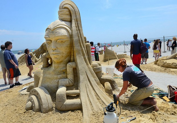 Campeonato Mundial de Escultura de Areia ocorre em Nova Jérsei, nos EUA (Foto: The Press of Atlantic City, Ben Fogletto/AP)