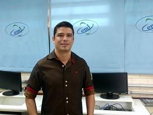 Diretor do Centro de Ensino Integrado à Educação Profissional do Gama, Ariomar Nogueira (Foto: Mateus Rodrigues/G1)