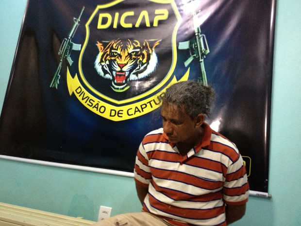 O presidiário foi levado à Divisão de Captura e posteriormente à Penitenciária (Foto: Marcelo Marques/ G1 RR)