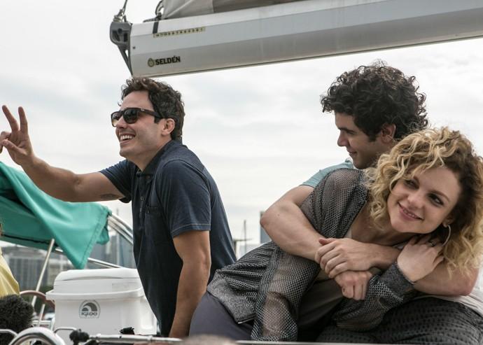 Bernardo e Laila se divertem ao lado de Luís (Foto: Inácio Moraes/Gshow)