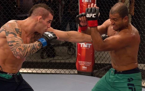 Santiago Ponzinibbio e Cleiton Foguete TF Brasil 2 (Foto: Divulgação / UFC)