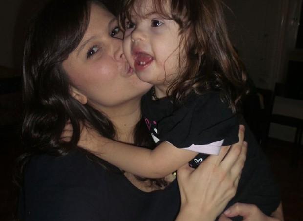 Cris e Valentina: ela veio ensinar muitas coisas  (Foto: Arquivo pessoal/ Cristiane Palacios)