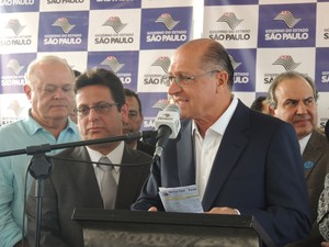 Governador Geraldo Alckmin em visita a Ferraz de Vasconcelos (Foto: Tatiane Santos/G1)