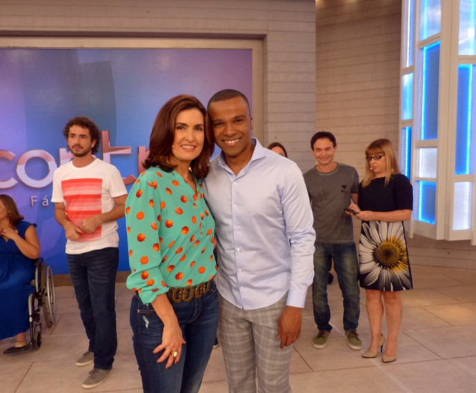 Alexandre Pires ao lado de Fátima (Foto: Viviane Figueiredo Neto/Gshow)
