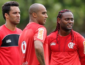 Deivid, Love e Ibson treino Flamengo (Foto: Alexandre Cassiano / Agencia O Globo)