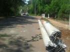 Acidente derruba três postes e deixa bairro de Campo Grande sem energia