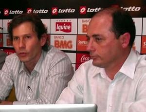 Cícero Souza (à direita), ao lado do presidente Gustavo Dubeux (Foto: Divulgação/Sport)