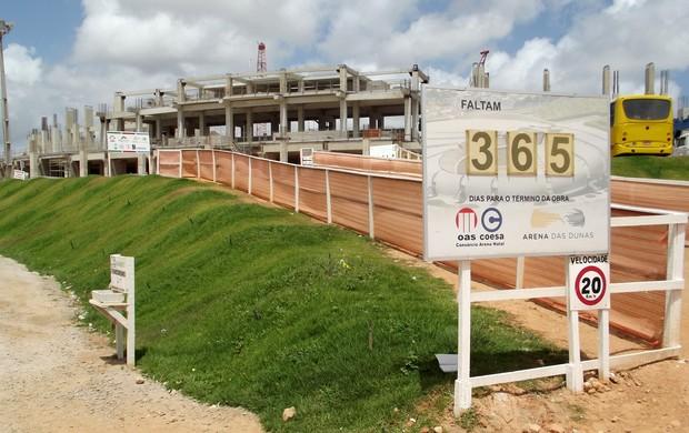 Faltam 365 dias para a conclusão das obras da Arena das Dunas (Foto: Jocaff Souza/GLOBOESPORTE.COM)