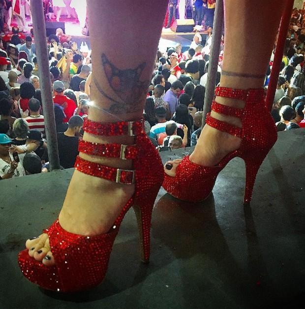 Detalhe dos sapatos usados por Viviane Araújo (Foto: Reprodução/Instagram)
