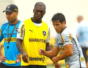 Seedorf no treino do Botafogo (Foto: Jorge William / Ag. O Globo)
