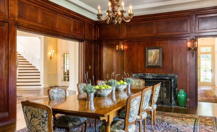 A sala de jantar com painéis de mogno (Foto: Reprodução/ Hilton & Hyland)