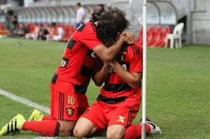 Sport x Internacional (Foto: Aldo Carneiro / Pernambuco Press)