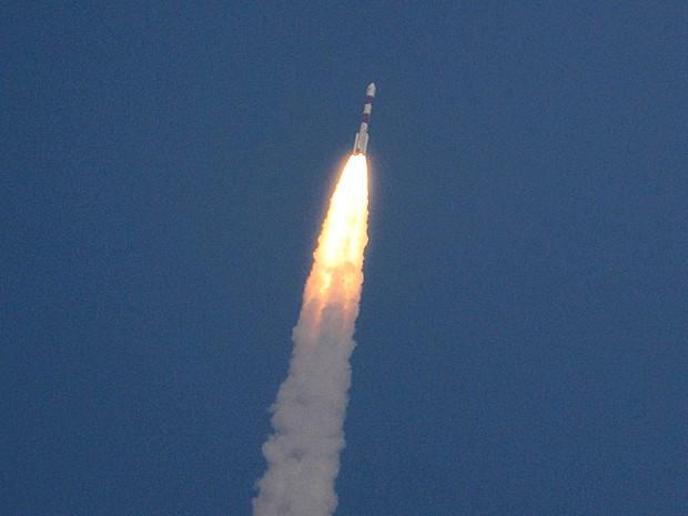 Foto do lançamento do foguete que enviou a sonda para Marte em 5 de novembro de 2013 (Foto: Arun Sankar K/AP Photo)