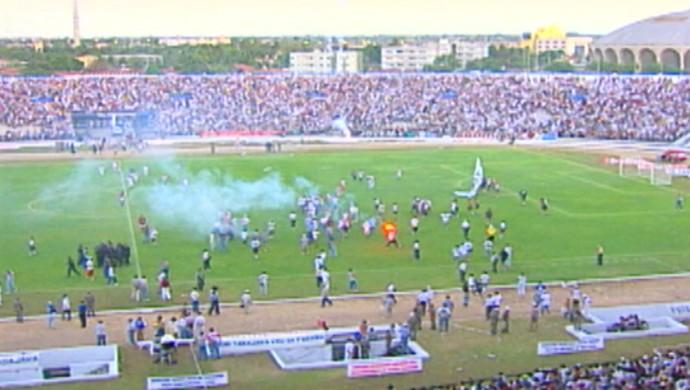 Maior público registrado no Estádio Almeidão foi na final do Paraibano de 1998 (Foto: Hévilla Wanderley / GloboEsporte.com/pb)