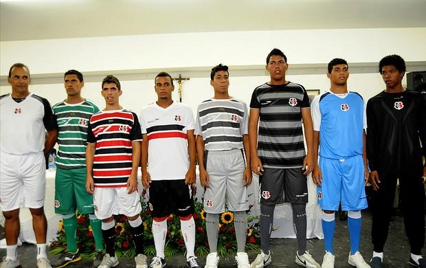 uniforme santa cruz 2013 (Foto: Aldo Carneiro / Pernambuco Press)