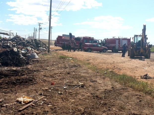 Incêndio atinge depósito de recicláveis em Piracicaba (Foto: Thainara Cabral/G1)